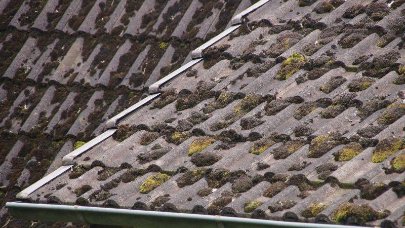 En quoi consistent les travaux d'entretien et de rénovation d'une toiture?
